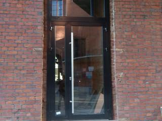 Алюминиевые двери из теплого профиля