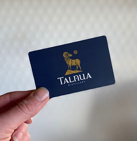 Talnua%20Giftcard%20with%20hand_edited.j