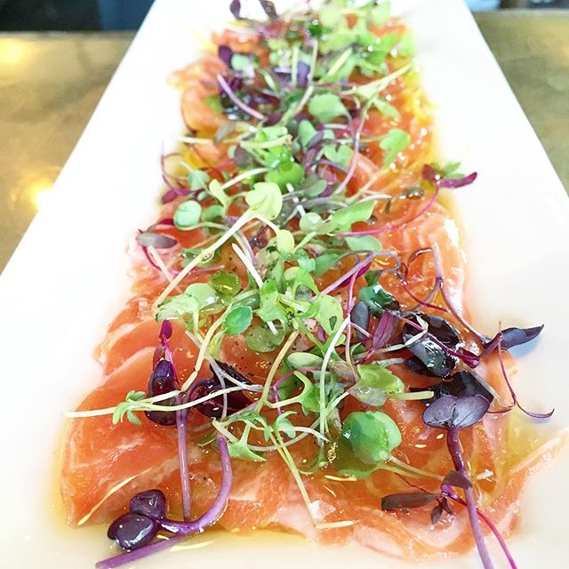 🐟 This picture is brought to you by the Institute of Yummy Summer Fun 😳😛👅This is the #Salmon #cr