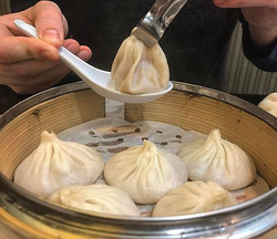 #DUMPLINGS_ unleash the broth ✊️ Happy #humpday guys, hope you are planning your last couple cold we
