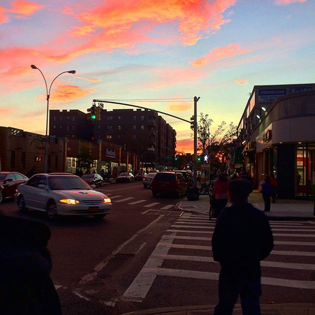 #livefromqueens a gorgeous view in #jacksonheights tonight! Perfection.jpg