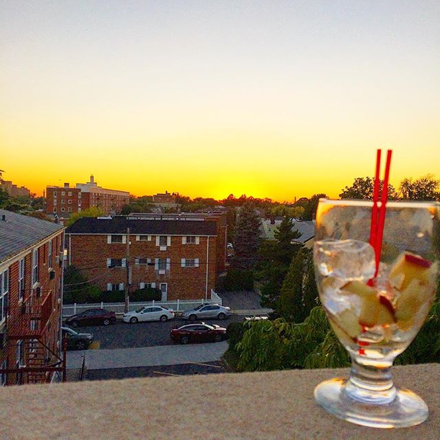 Enjoying a lovely Apple Cider Sangria at the _bourbonstreetny for their Rooftop Bar Opening in #bays