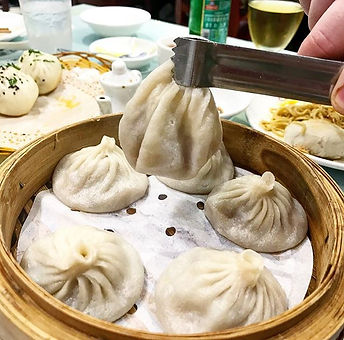 Rainy days are for #soupdumplings 🙏 This is the #pork #xiaolongbao from _shanghaiyougarden in #flus