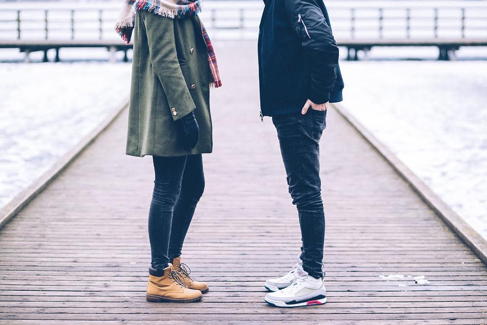 divorced couple talking about boundaries
