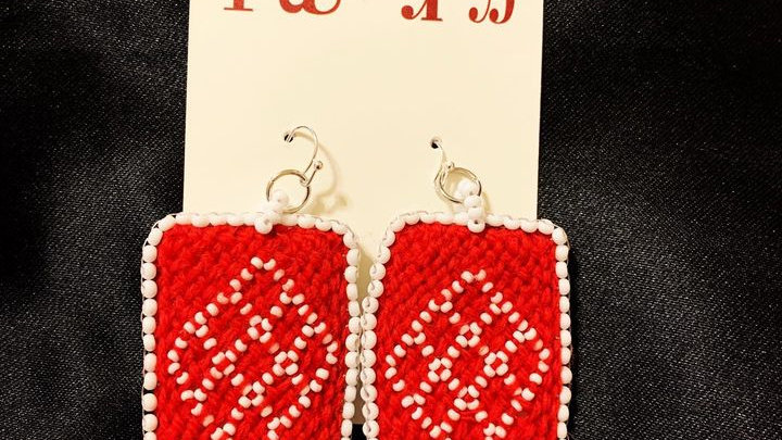 Oblique fingerwoven earrings (red)