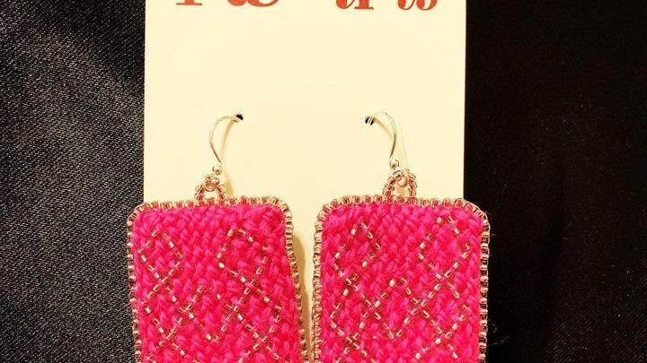Oblique fingerwoven earrings (hot pink)