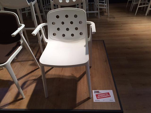Isidora chair with arms