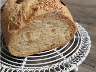 Glutenfreies helles Brot mit Sesam
