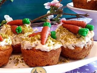 Rübli Muffins mit Cashew Zitronen Crème