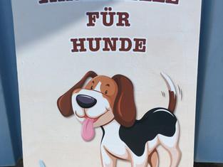 Schild Tankstelle für Hunde
