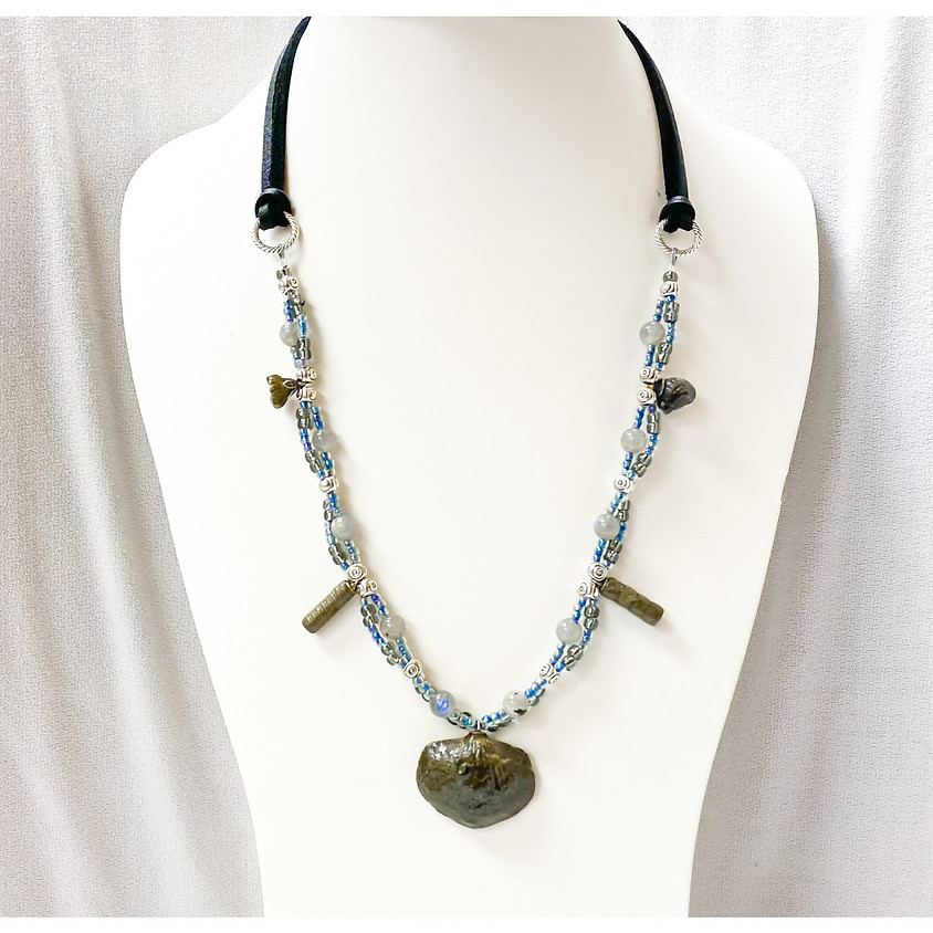 Blast from the Past Necklace (Zoom)