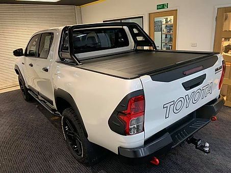 Toyota Hilux Roll R Cover