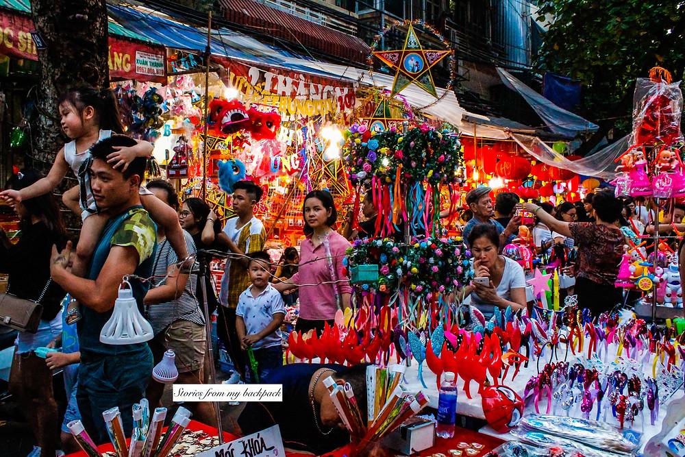 Shopping in Hanoi, where to shop in Hanoi, street shopping in Hanoi, Vietnam shopping, souvenirs to buy in Vietnam