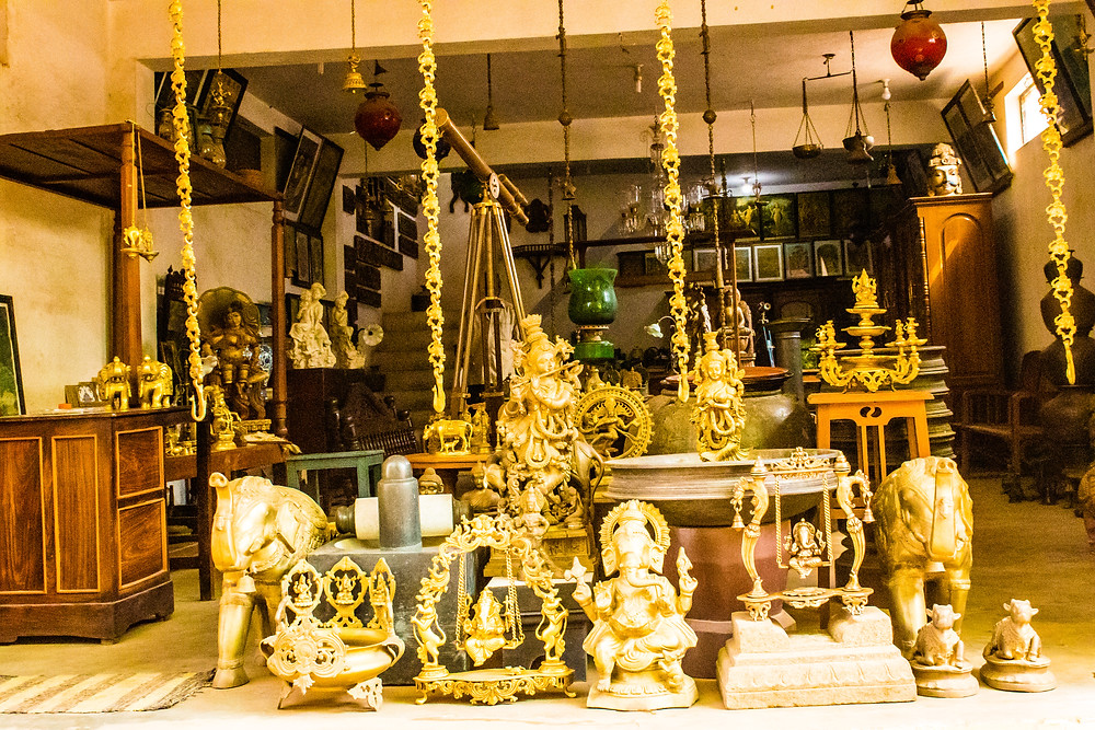 where to buy antiques at cheap price, chettinad palace, Chettinad museum, Chettinad things to do, Chettinad food, Chettinad architecture