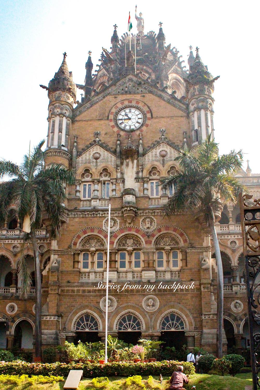 Chhatrapati Shivaji Terminus, Railway station in Slumdog Millionaire, Slumdog Millionaire tour Mumbai, Dharavi tour, Bombay slum tour, Mumbai Bollywood tour