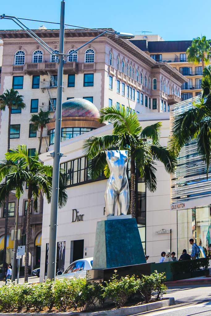 Robert Graham, Rodeo Drive, Art in Rodeo Drive, Shopping on Rodeo drive, Beverly Hills California, Hollywood