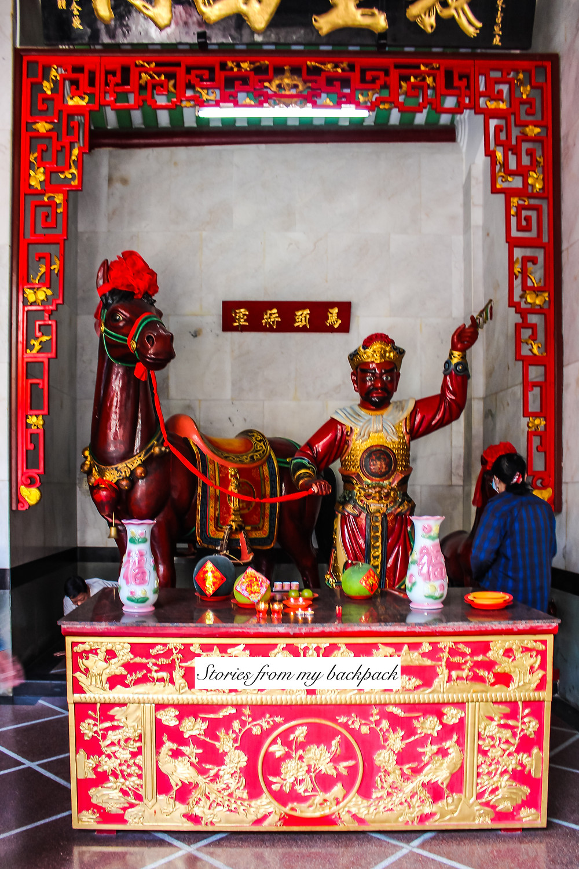 Nghia An Hoi Quan temple, chinese pagoda in ho Chi Minh city, buddhist temple in ho Chi Minh city, Quan Cong temple, Cho Lon, ho Chi Minh chinatown, chinatown saigon
