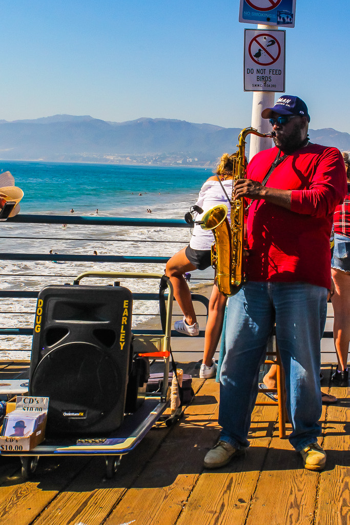 jazz performance, jazz music, santa monica pier, santa Monica beach, saxophone, musicians at Santa Monica pier