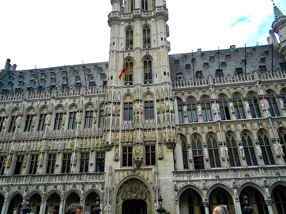 brussels Town Hall, grand place brussels,Mannekin Pis, What to do in Brussels, budget travel in Brussels, Europe on a budget