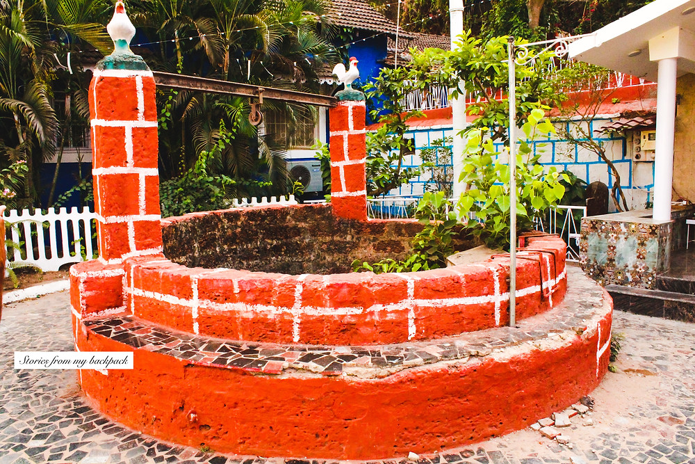 Fontainhas, panjim, latin quarter of goa, Portuguese houses, Portuguese architecture, roosters in Portuguese architecture, goa architecture