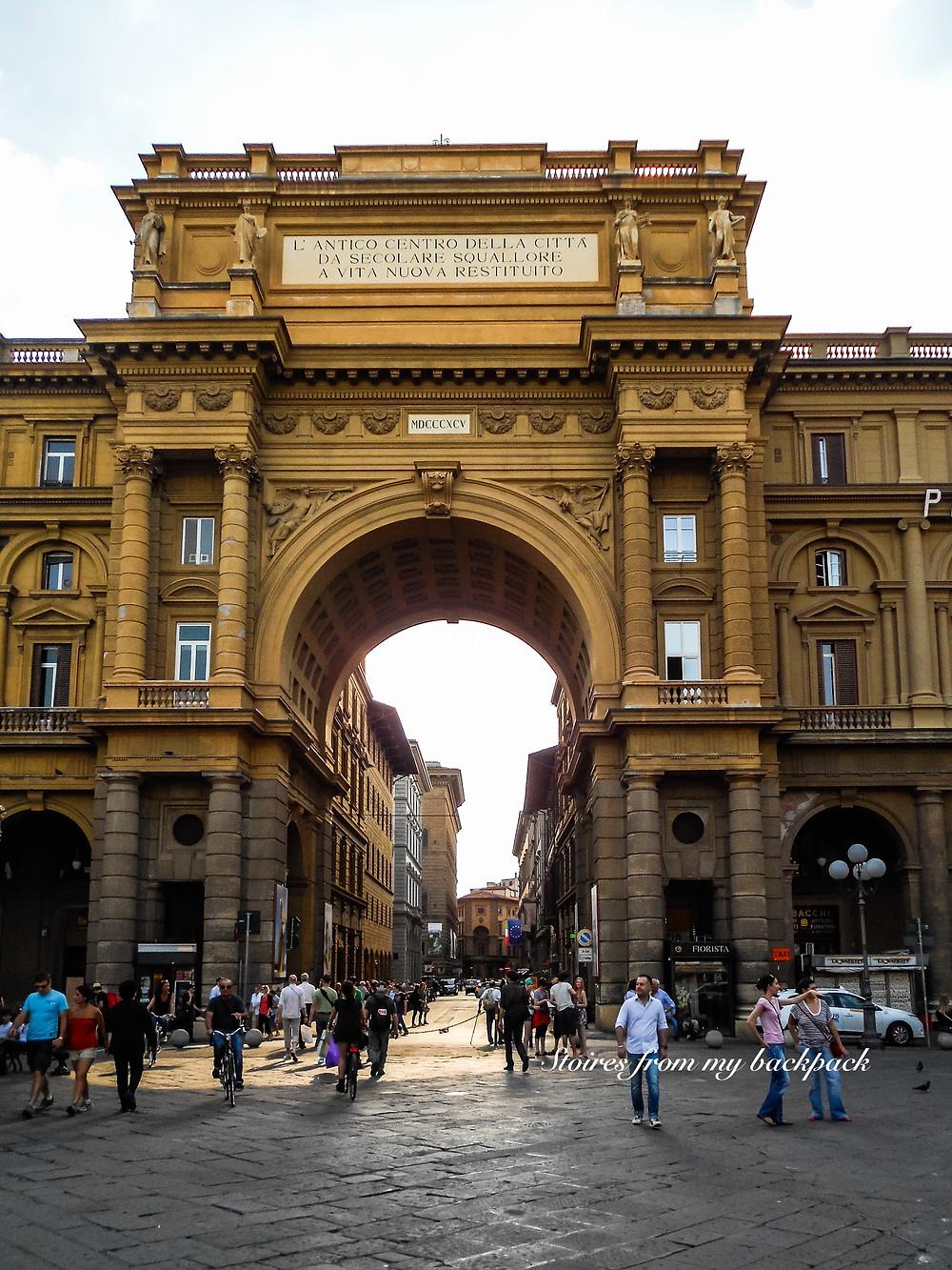 Piazza della republica, Piazza della signoria, street tour of Florence, bike tour of florence