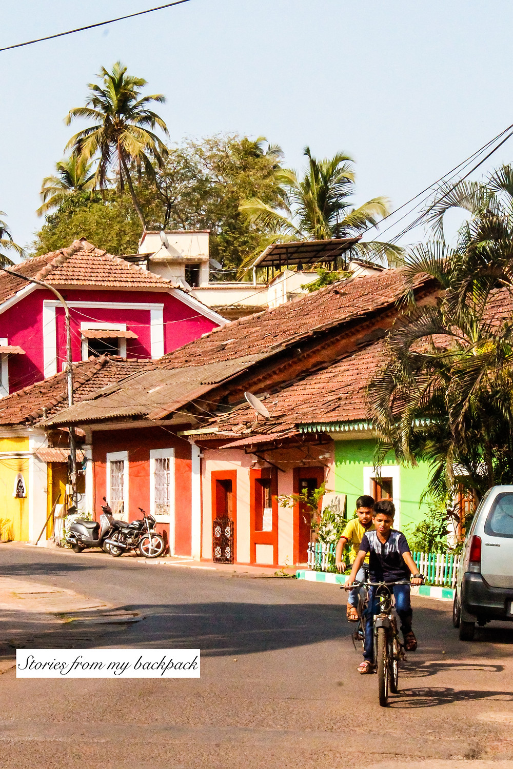 mala neighbourhood, intstagrammable spots in goa, colourful houses in panjim, colourful streets of panjim, goan architecture