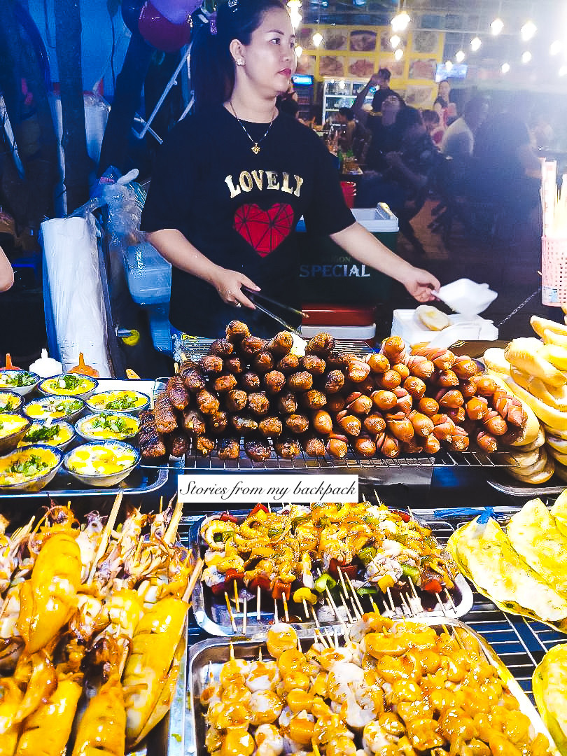 is it safe to eat street food in vietnam, best street food on ho Chi Minh city, where to eat pho in ho Chi Minh city, best food in Vietnam, what to eat in Vietnam, food dictionary for Vietnam, best Vietnamese food, Vietnamese noodle soup