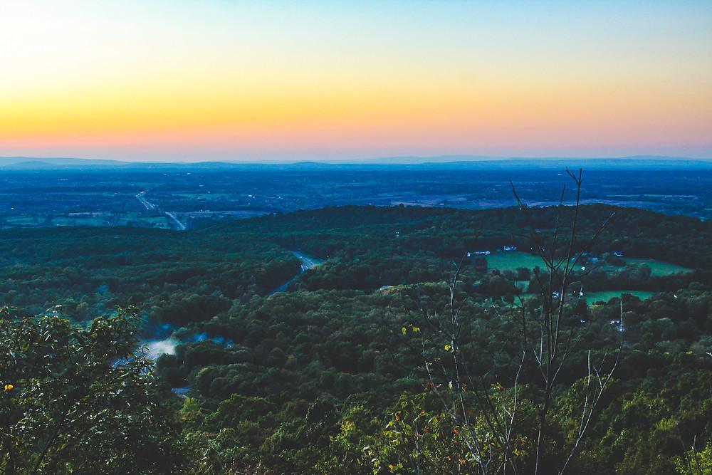 Sunset at bear's den, Shenandoah Valley, hike bear's den, blue ridge mountain
