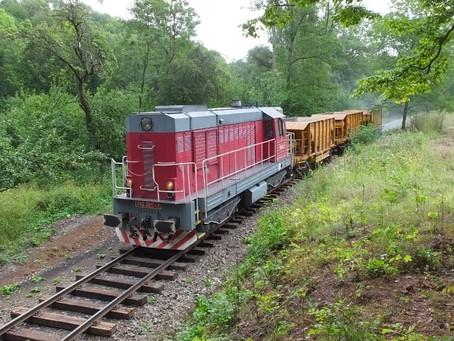 Obnova tratě do Lovečkovic, zaštěrkováno.