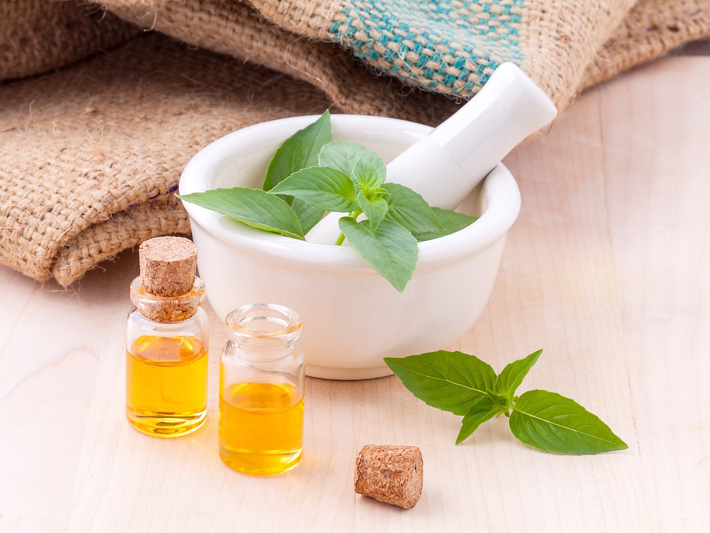 essential oils and mint