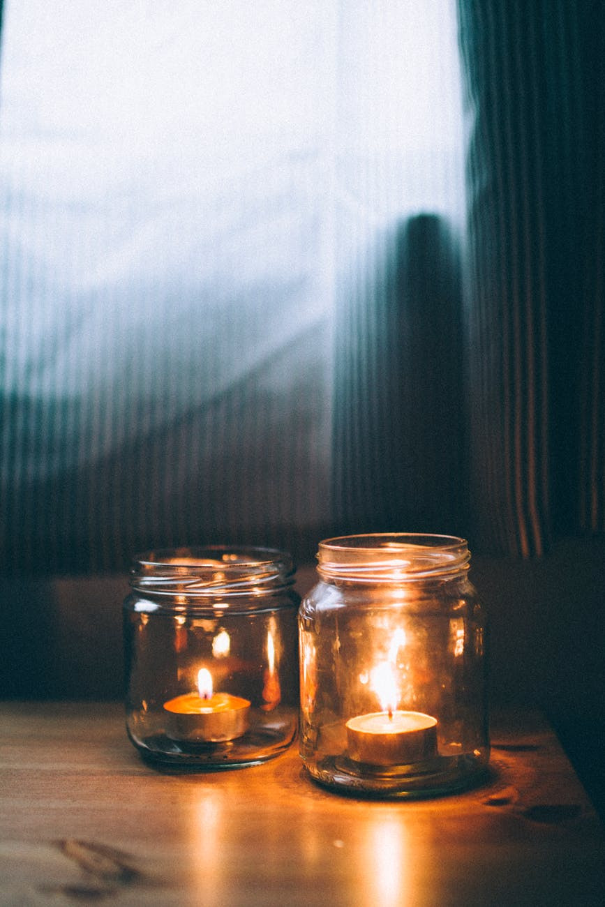 candles are the ultimate hygge