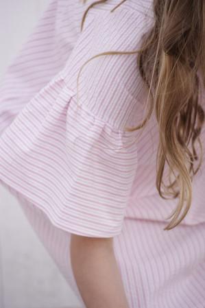 Olivia roze jurk mouwtje.jpg