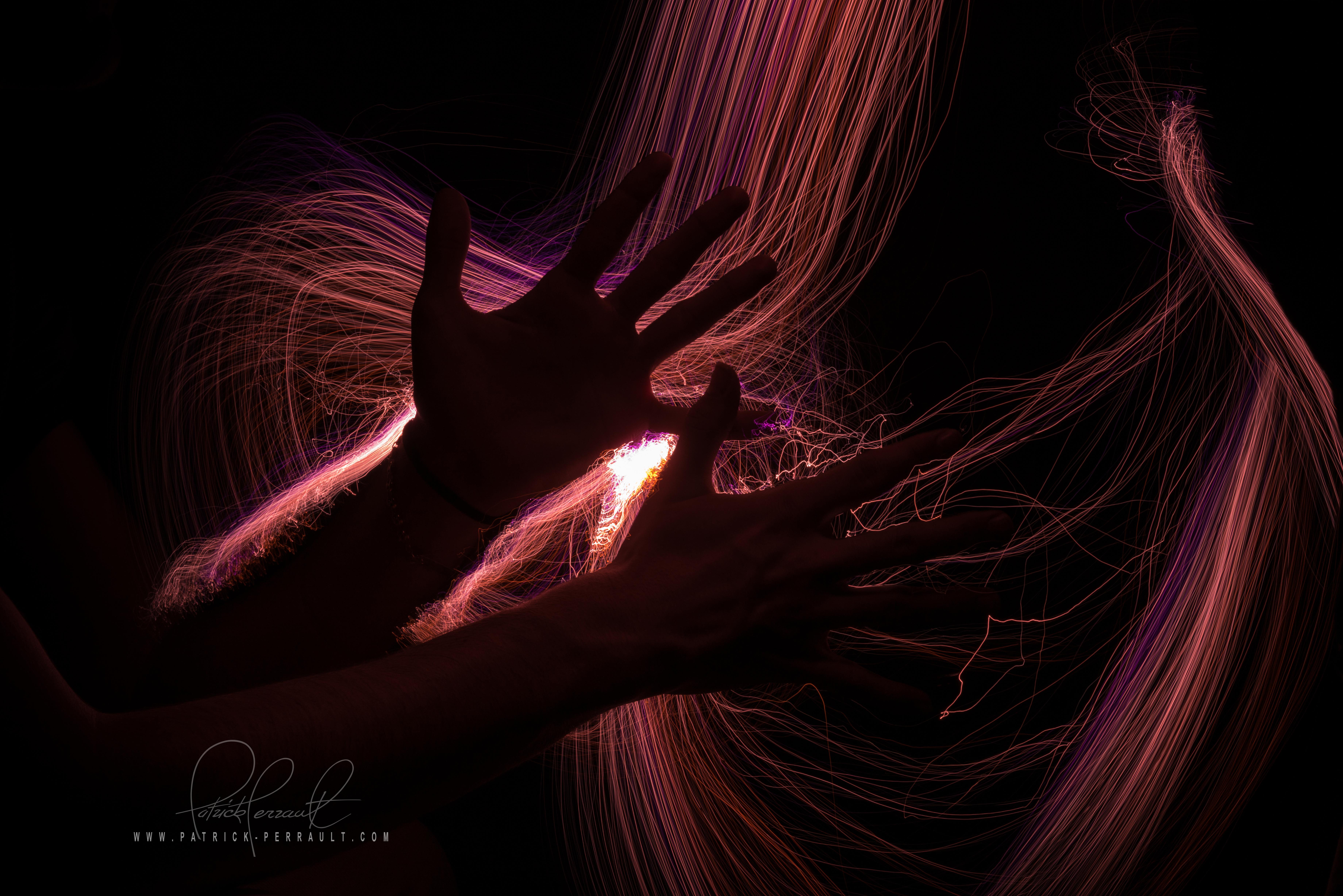 HAND LIGHT PAINTING