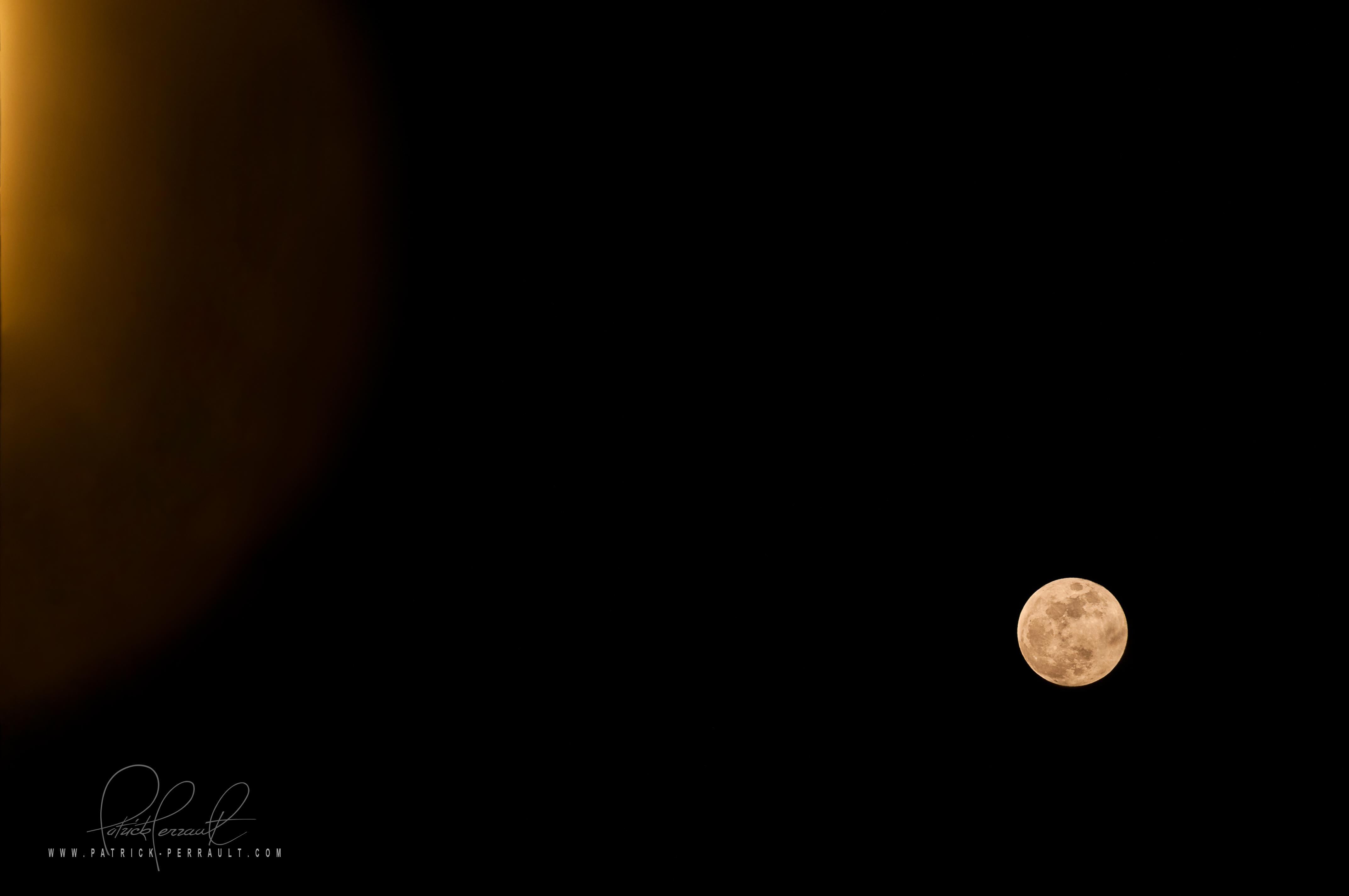 la lune et le réverbère