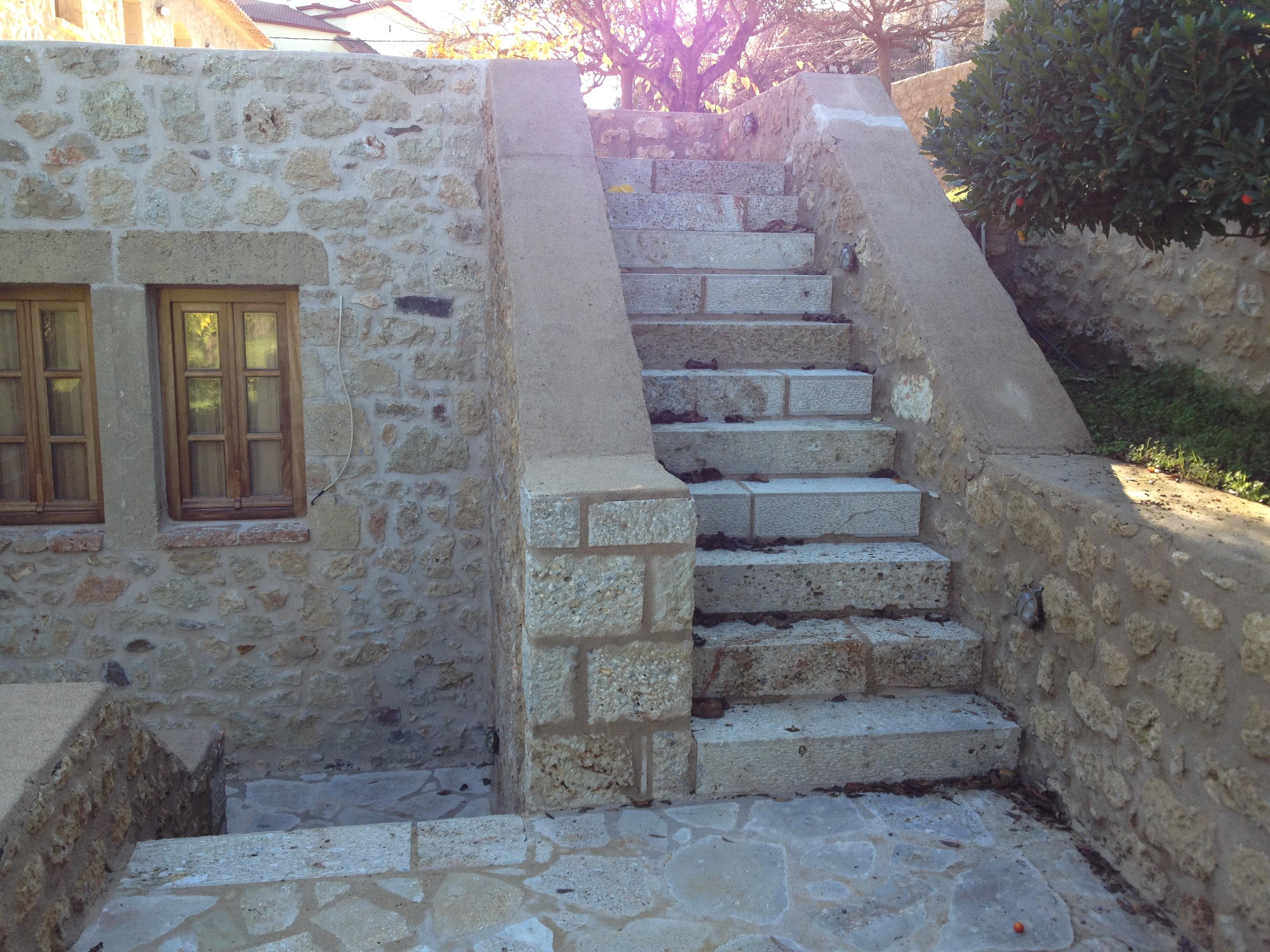 Stonebuilt stairs - Gythion Mani