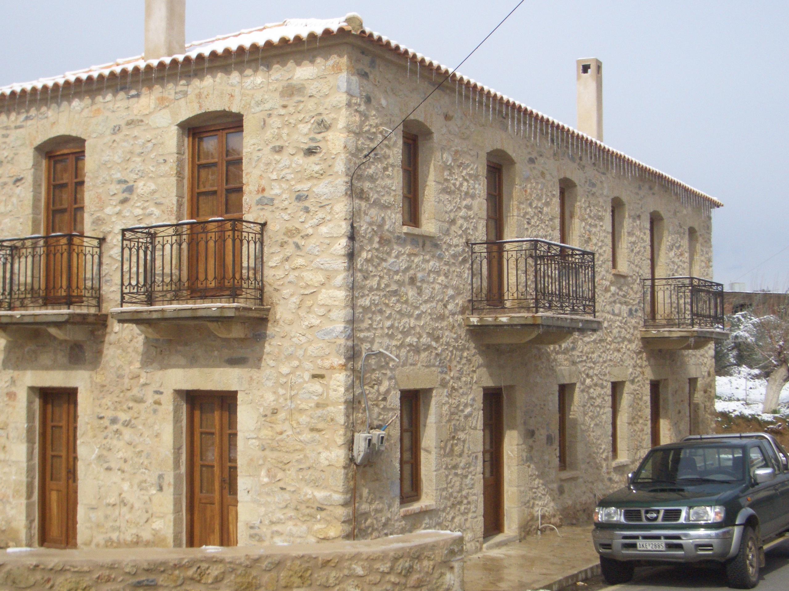 Αποκατάσταση κτιρίου - Πετρίνα