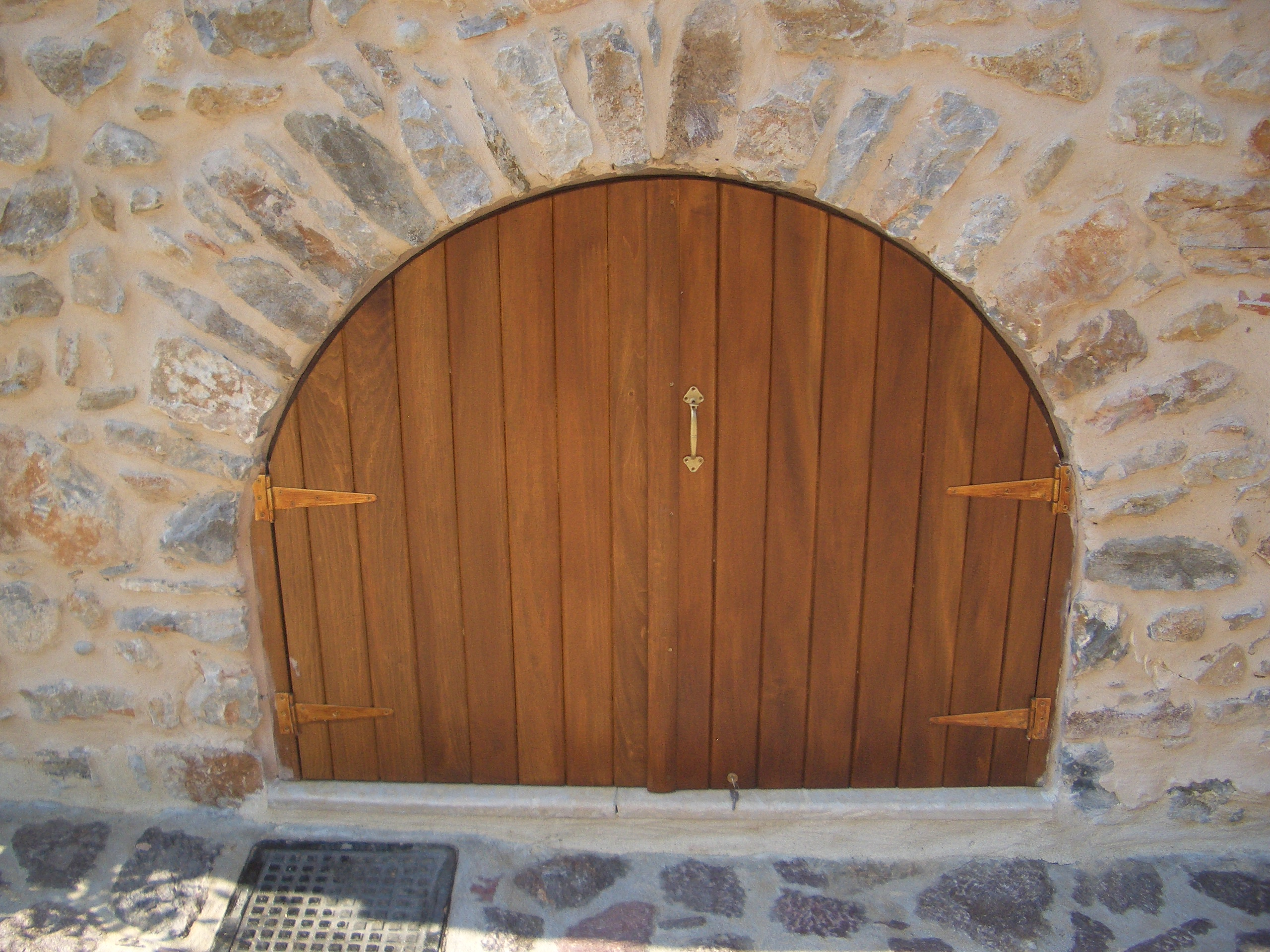Traditional wooden shutter - Gythion