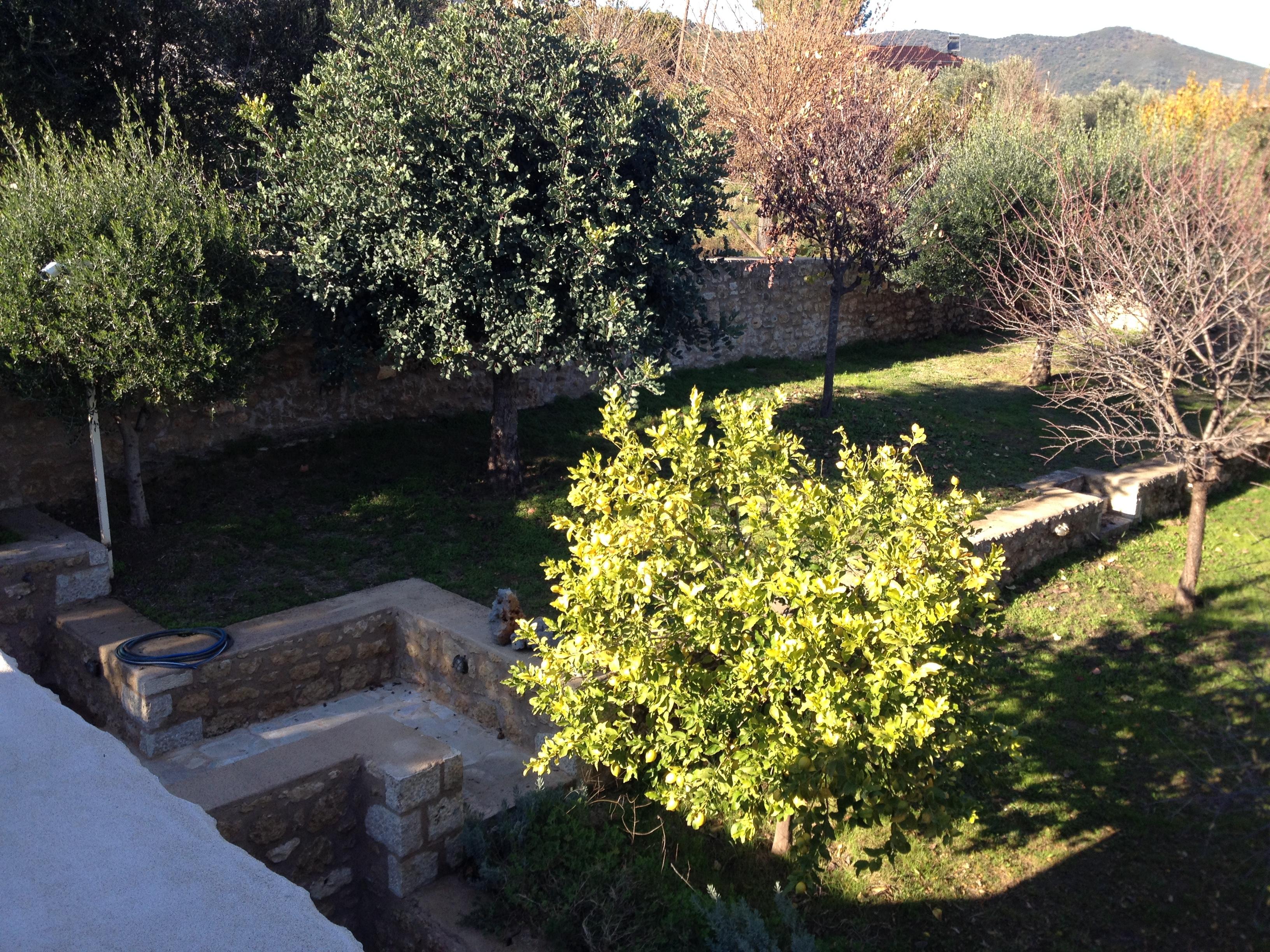 Διαμόρφωση κήπου - φύτευση - Μάνη