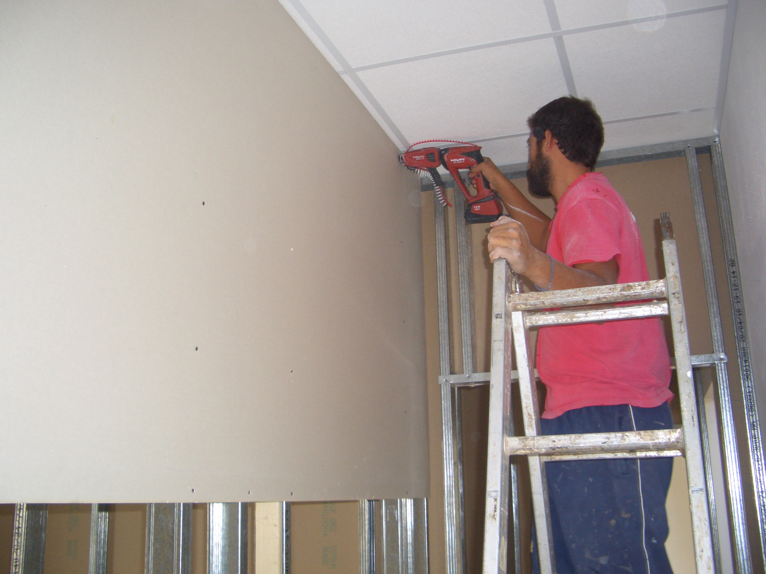 Drywall & ceiling construction -Mani