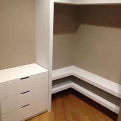 Walk-in wardrobe cabinets - Gythion