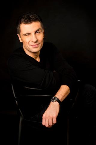 Christophe Dessouroux as Mister Emma