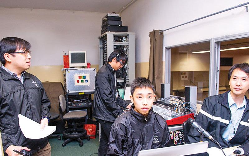 2004 - 校園電視台開台