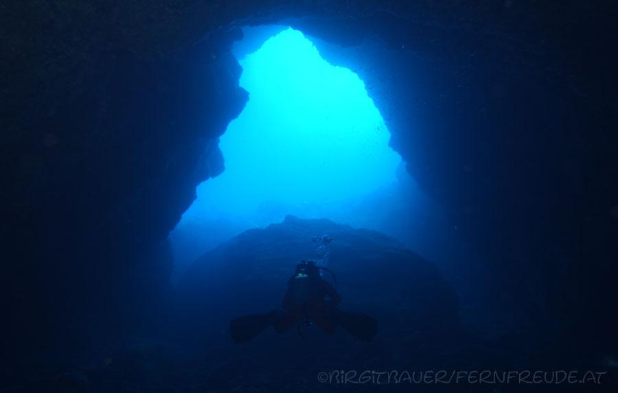 Wolang-Cave