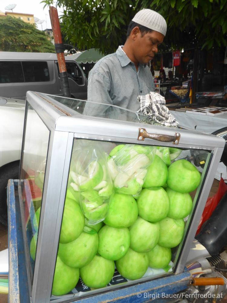 Giftgrün gefärbte Guaven