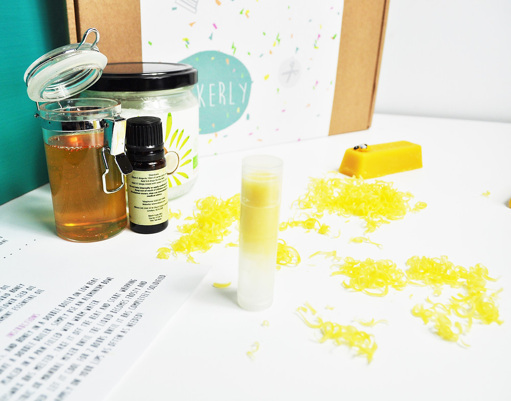 Make your own lipbalm kit