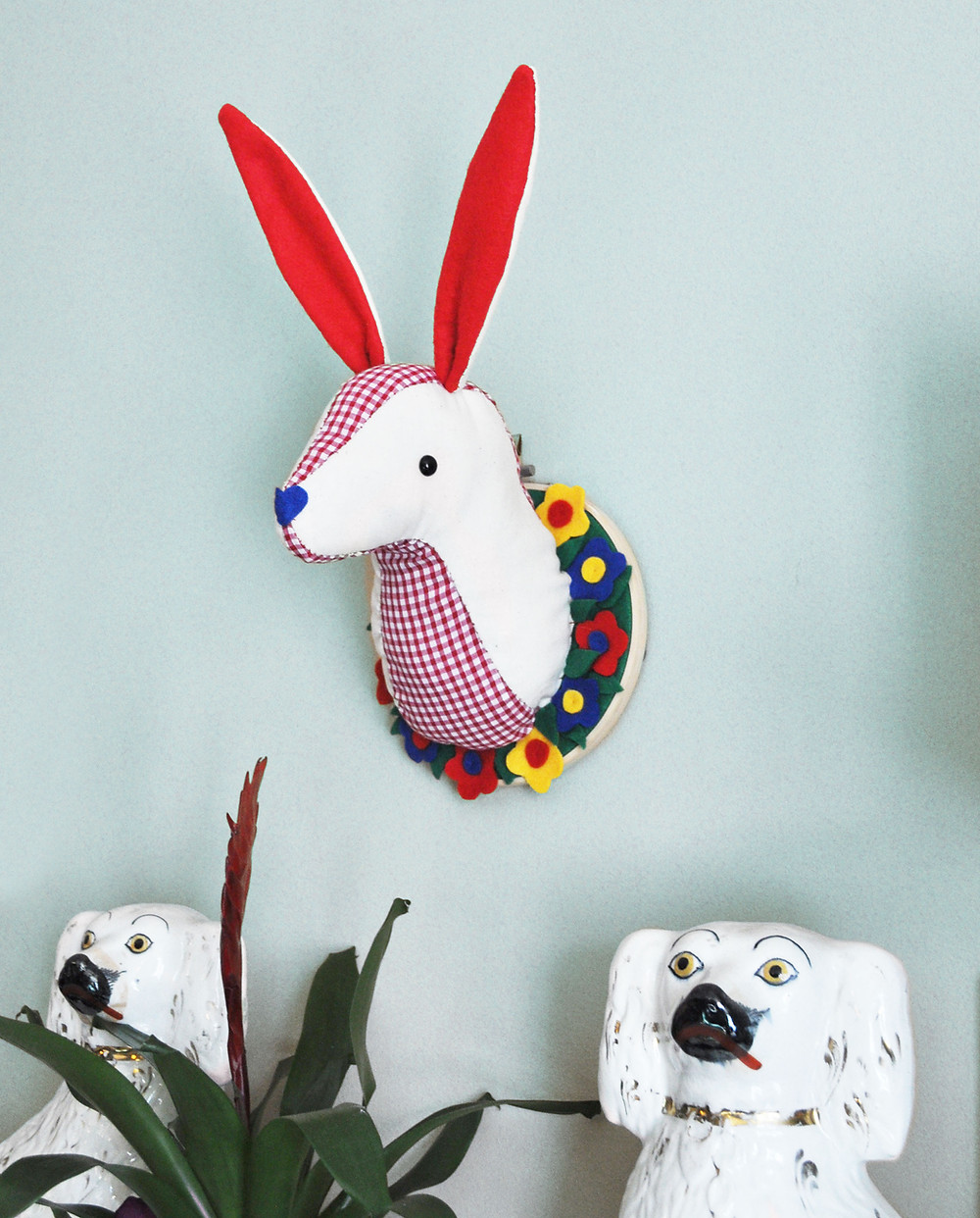 March Hare Trophy Head Sewing kit