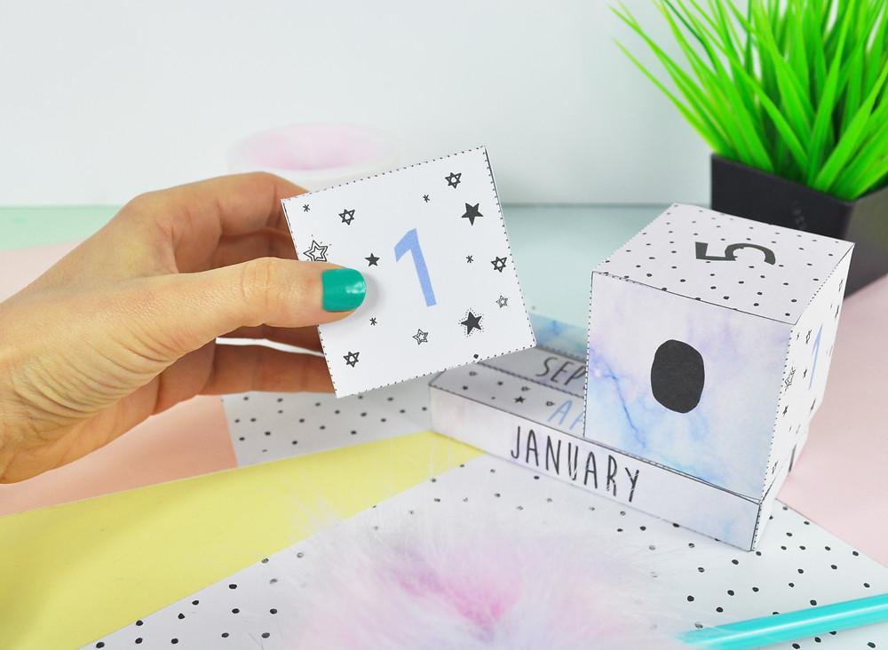 DIY Papercraft Calendar