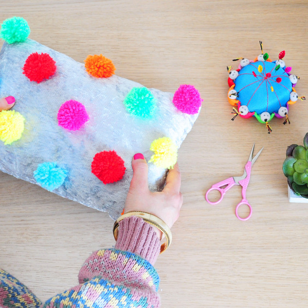 April 2020 - Make your own pompom cushion