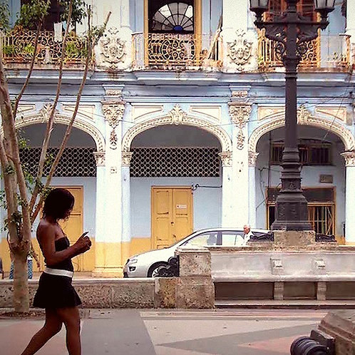 Texting in Havana