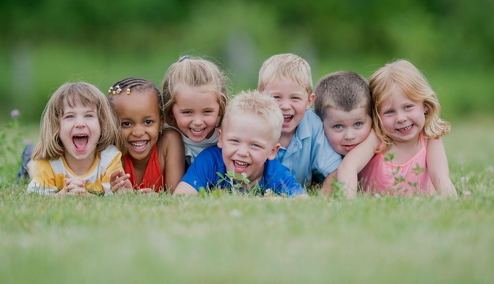 grass-kids-iStock-840985124-2048x1365.pn